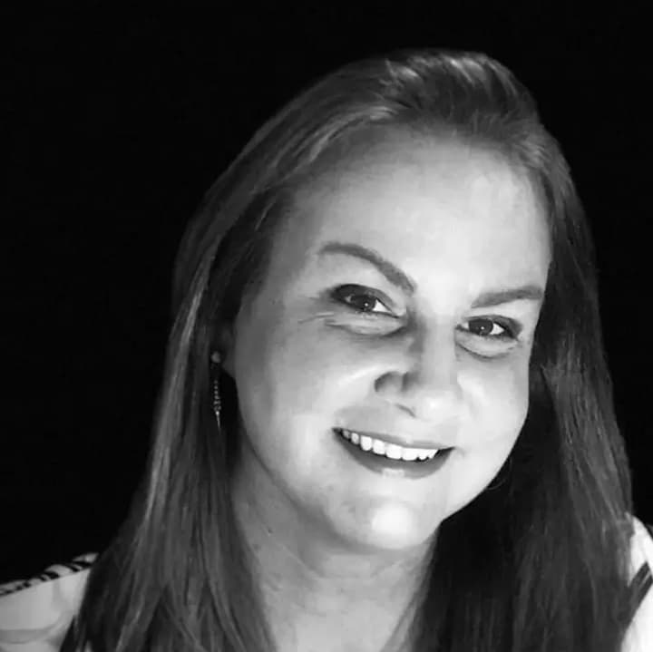 Patrícia Melo - Thecla Turismo